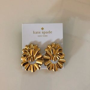 Kate Spade Scrunched Scallop Gold Studs